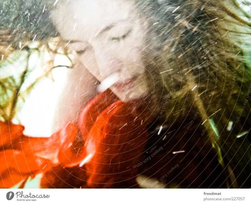 motion blur Frau Mensch Jugendliche Wasser rot ruhig feminin Bewegung Erwachsene träumen einzigartig tauchen Luftblase Junge Frau musisch