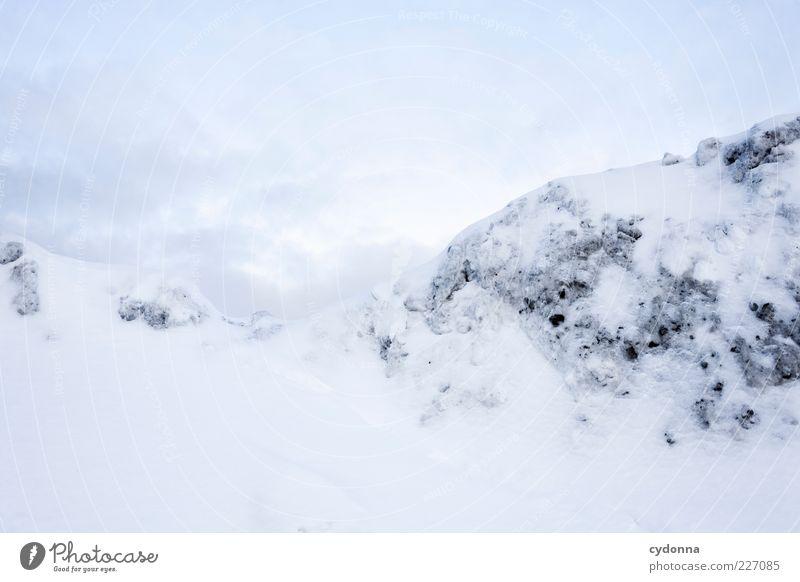 Schneegebirge Himmel Natur weiß Winter ruhig Einsamkeit Ferne Leben Freiheit Umwelt Berge u. Gebirge Landschaft träumen hell Eis