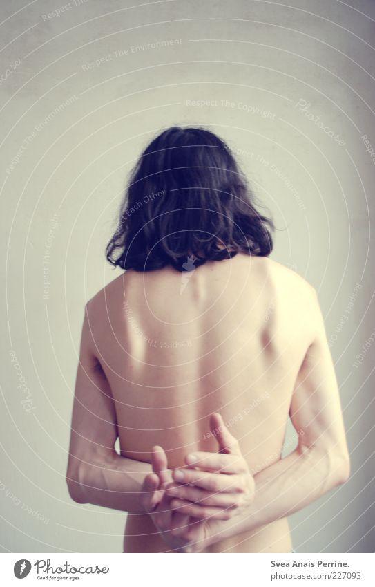 abstrakt. Mensch Hand Erwachsene Wand Gefühle nackt Mauer Körper Rücken Arme Fassade Haut Armut maskulin stehen 18-30 Jahre