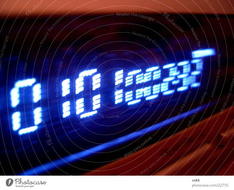 replay! Matrix Dünnschichttransistor dunkel DVD-ROM Zeit Ziffern & Zahlen Spielen stoppen Pause gelb Licht Video Kino Entertainment Dot blau Kontrast