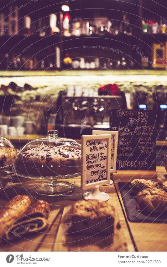 Selection of cake and pastries in coffeehouse Lebensmittel Ernährung Frühstück Kaffeetrinken Bioprodukte Vegetarische Ernährung Heißgetränk Latte Macchiato