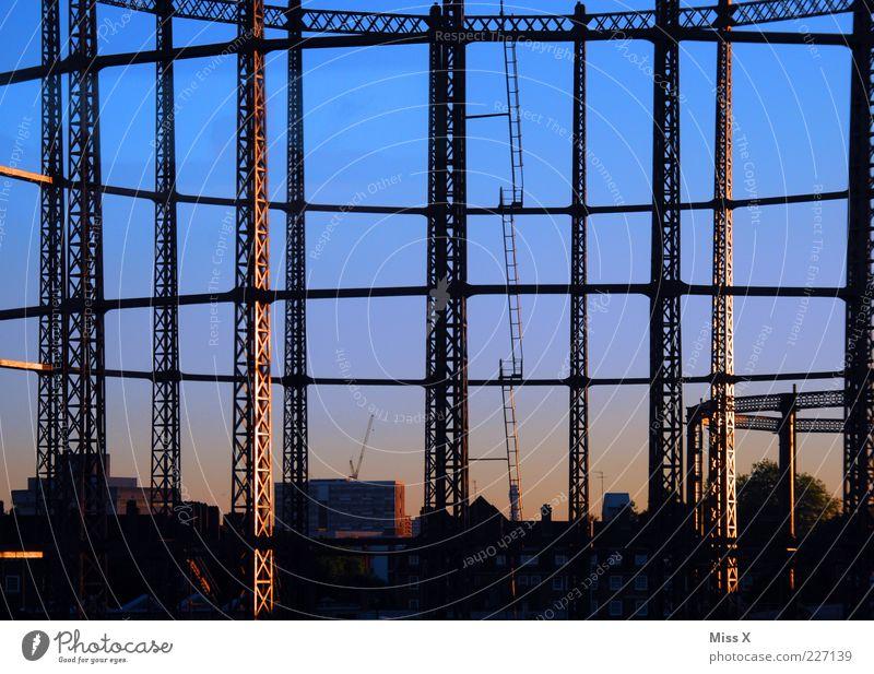 Gerüst Stadt Architektur groß Bauwerk Leiter bauen Hauptstadt Gerüst Hausbau Stahlträger Stahl Baustelle Hochbau Stahlkonstruktion Hochhausbau