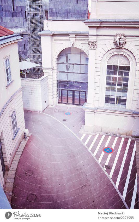 Stadt Straße Architektur Gebäude Fassade ästhetisch Aussicht Europa violett Österreich Wien Großstadt