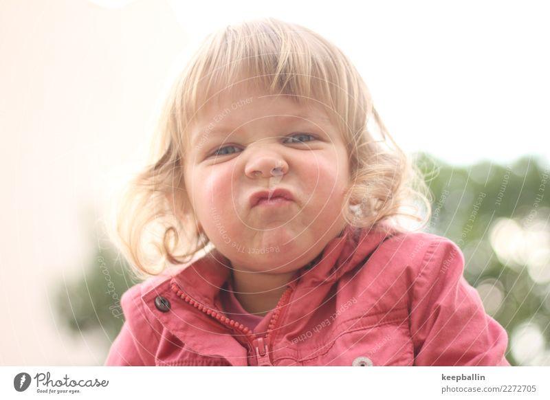li_009 Spielen Ausflug Abenteuer Sport Kindergarten Mädchen Kopf Nase Locken natürlich rebellisch wild Grimasse Farbfoto Außenaufnahme Nahaufnahme Tag Porträt