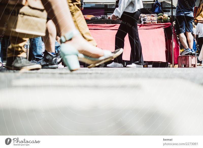 Schuh Level Lifestyle kaufen Reichtum elegant Stil schön Leben Freizeit & Hobby Ferien & Urlaub & Reisen Städtereise Mensch Fuß Menschenmenge Schuhe Turnschuh