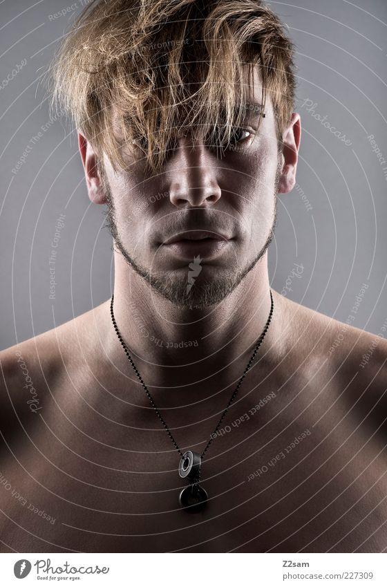 untitled Stil Haare & Frisuren Mensch maskulin Junger Mann Jugendliche 1 18-30 Jahre Erwachsene Schmuck ästhetisch blond Coolness authentisch natürlich
