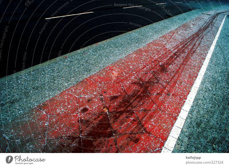 linienführung Verkehrswege Straße Wege & Pfade Fahrradweg Fahrbahn Fahrbahnmarkierung Farbfoto Außenaufnahme Reifenspuren Asphalt Teer Menschenleer Textfreiraum