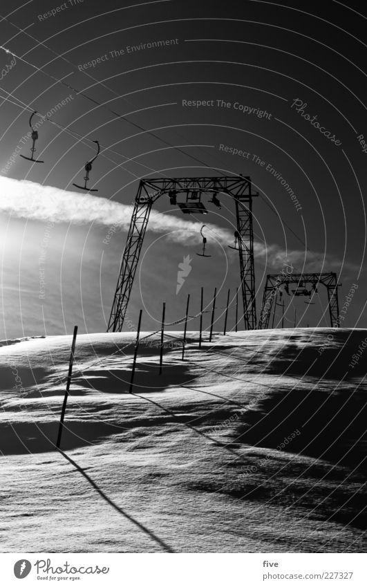 schlepper Himmel Natur Wolken Winter kalt Schnee Berge u. Gebirge Wetter Eis Frost Hügel Alpen Schönes Wetter Pfosten Skilift
