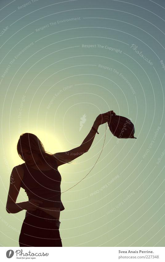 tanz. Mensch Jugendliche schön Sonne feminin Gefühle Erwachsene Stil träumen elegant Seil Lifestyle stehen Luftballon leuchten dünn