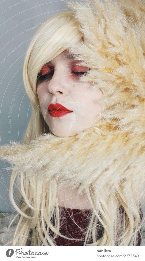 Schönheitsporträt einer jungen blonden Frau elegant Stil schön Haare & Frisuren Haut Kosmetik Schminke Lippenstift Sinnesorgane Erholung Mensch feminin