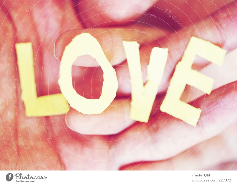 l O v e . Hand Liebe Gefühle Finger ästhetisch Buchstaben nah berühren harmonisch Liebespaar Geborgenheit Liebesbekundung Großbuchstabe Hand in Hand Liebeserklärung Mensch