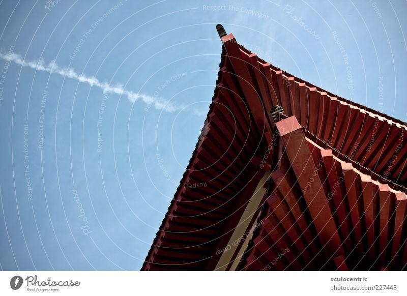 exotische Ecke Himmel blau rot Haus hoch Luftverkehr Häusliches Leben Dach Asien China Hauptstadt eckig Kondensstreifen