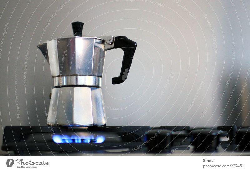 Morgenlatte in Arbeit Lebensmittel Metall Getränk Kaffee Küche Kochen & Garen & Backen heiß Duft silber Flamme Gas Griff Herd & Backofen Espresso Kannen Verschlussdeckel