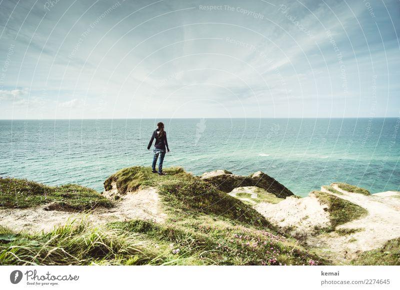Am Meer Mensch Ferien & Urlaub & Reisen Sommer Sonne Erholung ruhig Ferne Lifestyle Erwachsene Wärme Leben feminin Küste Freiheit Ausflug