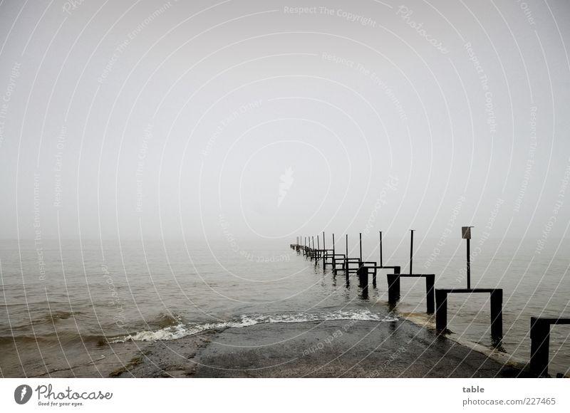 ins Nichts... Himmel Natur Wasser Winter Einsamkeit schwarz Ferne kalt dunkel Herbst Umwelt Landschaft Gefühle grau Küste Wetter