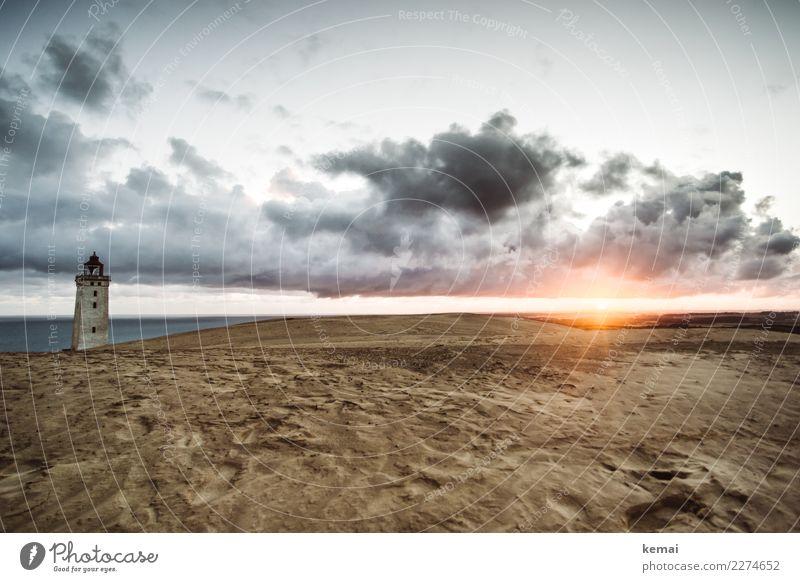 Der berühmte Turn Himmel Ferien & Urlaub & Reisen Meer Erholung Wolken ruhig Ferne dunkel Küste Gebäude außergewöhnlich Freiheit Sand Stimmung Ausflug