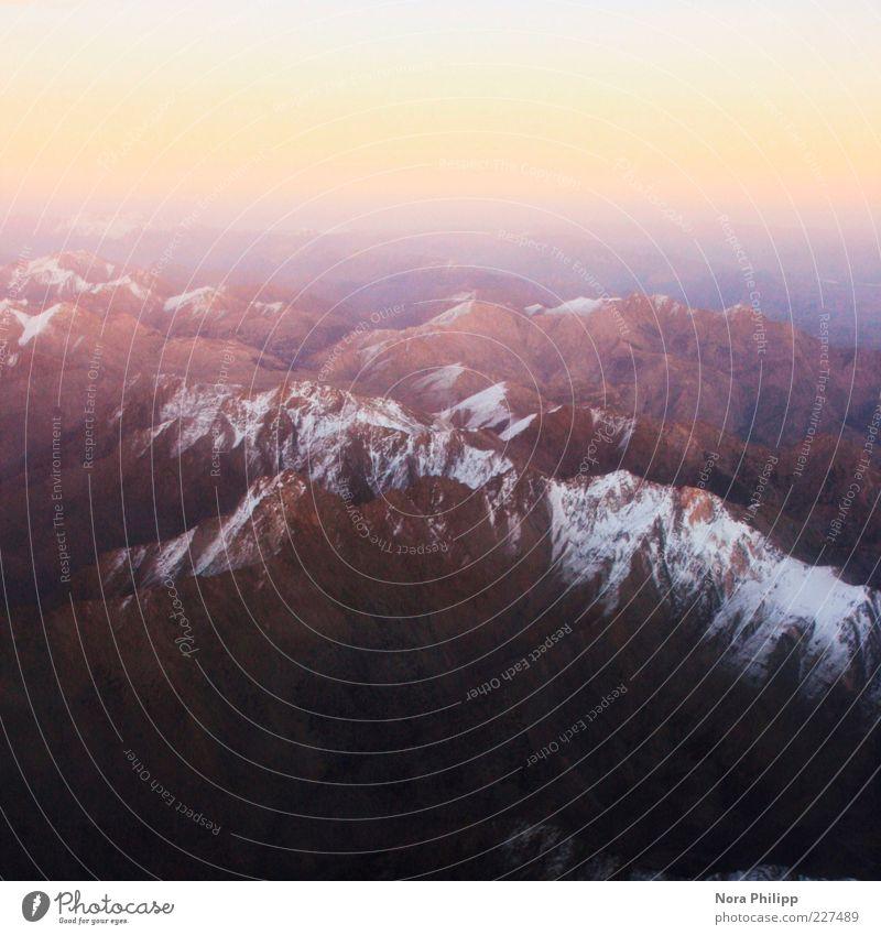 puderschnee auf glitzerberg Natur Winter Ferne Schnee Umwelt Berge u. Gebirge Landschaft oben Luft Erde Horizont frei Klima Urelemente zart Unendlichkeit