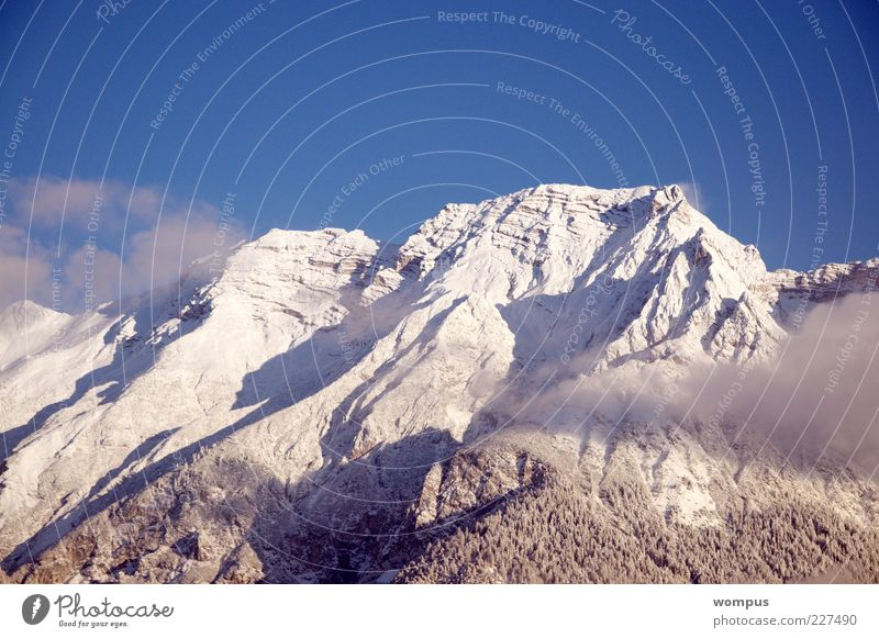 Frühmorgens we we been ziehen...... Natur Landschaft Himmel Schönes Wetter Schnee Wald Hügel Felsen Alpen Berge u. Gebirge Gipfel Schneebedeckte Gipfel blau