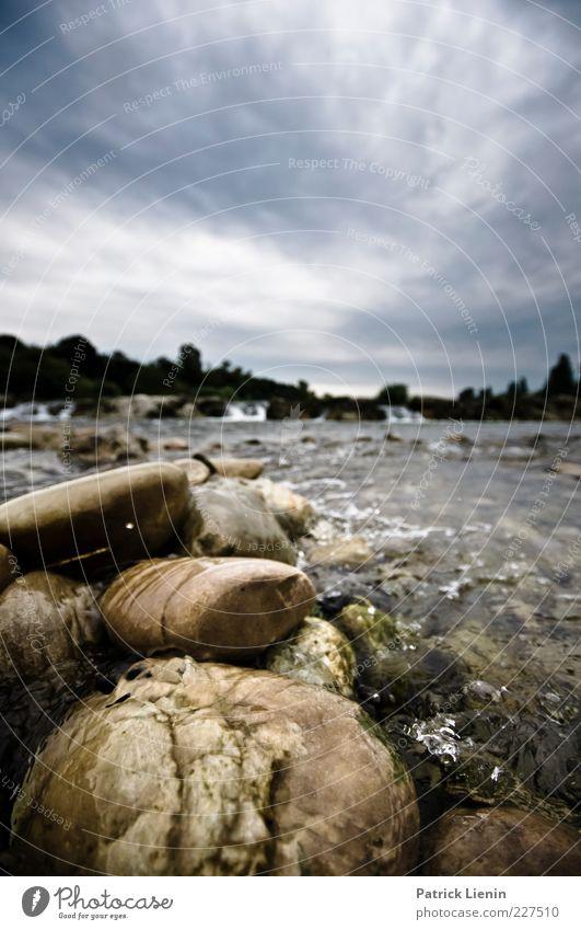stone by stone Himmel Natur Wasser Wolken kalt Umwelt grau Stein Luft Wetter nass wild Fluss Urelemente feucht Flussufer