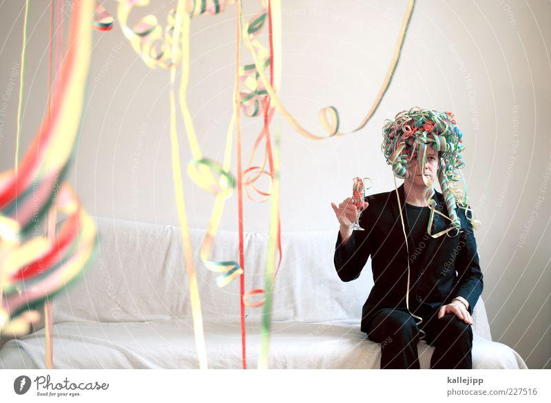 ohne knete keine fete. Mensch Mann Erwachsene Haare & Frisuren Party Traurigkeit lustig Feste & Feiern Glas sitzen Geburtstag maskulin außergewöhnlich Silvester u. Neujahr Jubiläum einzeln