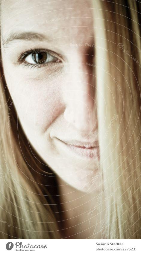 good times feminin Kopf Haare & Frisuren 18-30 Jahre Jugendliche Erwachsene blond langhaarig Blick ästhetisch Glück Fröhlichkeit Frühlingsgefühle Vorfreude