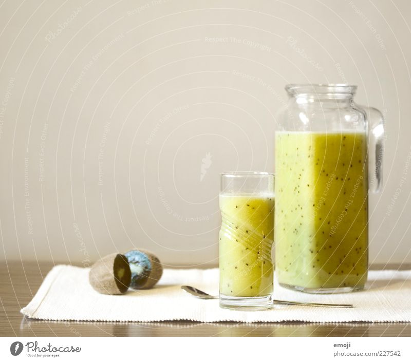 kiwi-banane Ernährung Gesundheit Glas Frucht frisch Getränk süß Flüssigkeit lecker exotisch Diät Vitamin Durst Löffel Saft Kannen