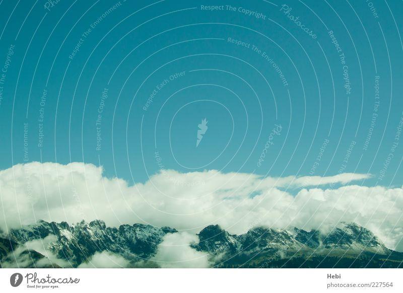 Schichtbetrieb Himmel Natur blau grün Wolken Berge u. Gebirge Landschaft Wetter Alpen Schönes Wetter Blauer Himmel Bergkette