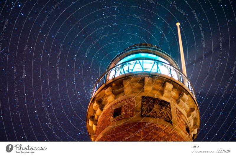 starlight, our local inspiration Himmel Leuchtturm blau Kiel Holtenau Lichtstrahl Strahlung Stern Sternenhimmel Farbfoto Außenaufnahme Nacht Nachthimmel
