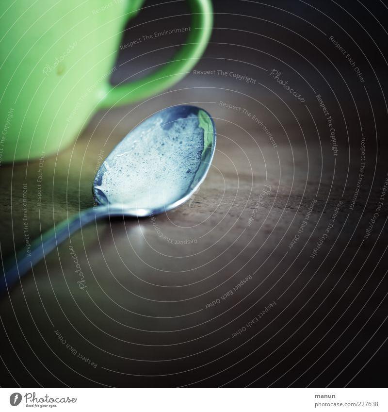 Cappupause Kaffeetrinken Getränk Heißgetränk Geschirr Tasse Becher Löffel authentisch lecker Originalität Zufriedenheit Gelassenheit ruhig genießen Pause