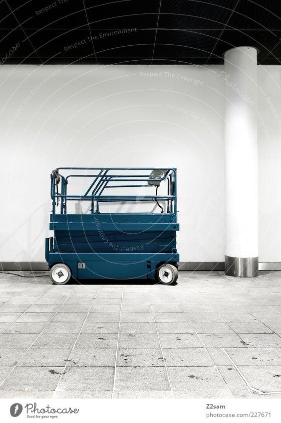 passt gut Maschine Baumaschine Gebäude Architektur Fahrzeug ästhetisch dunkel eckig einfach elegant Sauberkeit blau Ordnung Dienstleistungsgewerbe puristisch