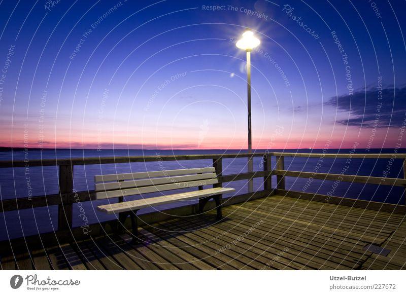 Seebrücke blau Ferien & Urlaub & Reisen Sommer Meer Lampe Zufriedenheit Beleuchtung Ausflug frei Bank leuchten Gelassenheit Sonnenaufgang Sonnenuntergang