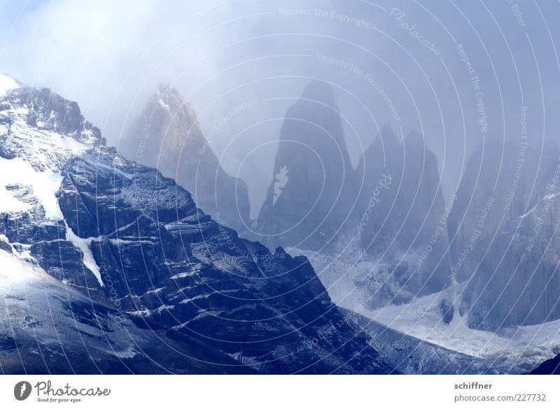 Torres del Paine Himmel Natur Wolken Schnee Umwelt Berge u. Gebirge Landschaft Felsen Nebel ästhetisch Urelemente außergewöhnlich Gipfel Gletscher steil