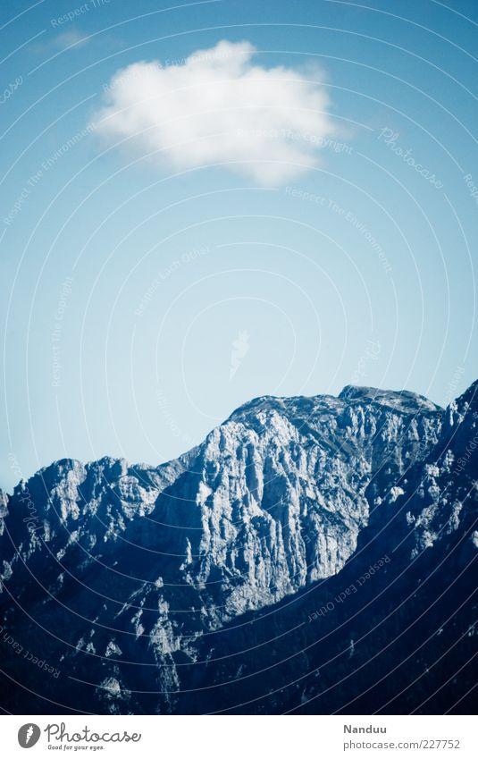 Einsames Wolkenschaf Himmel Natur Wolken Ferne kalt Umwelt Berge u. Gebirge Landschaft Klarheit Alpen Gipfel einzeln