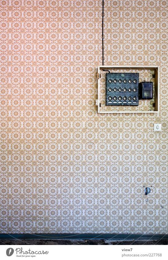 sicher!? Dekoration & Verzierung Tapete Energiewirtschaft Ornament Linie Streifen alt ästhetisch authentisch einfach frei oben positiv retro Design rein Leitung