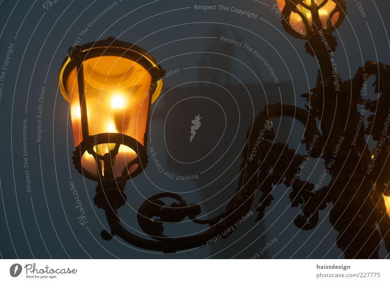 Laterne am Markusplatz Erholung dunkel Stil Lampe elegant Nebel Platz Design Dekoration & Verzierung Bauwerk Denkmal Stahl Wahrzeichen Morgendämmerung