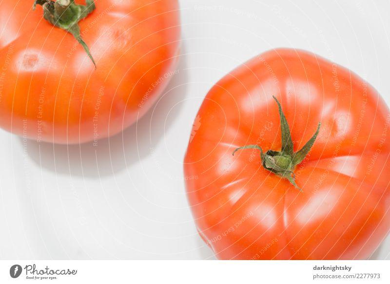 Zwei Fleischtomaten Lebensmittel Gemüse rote tomaten Ernährung Picknick Bioprodukte Vegetarische Ernährung Italienische Küche Tomate Teller Nutzpflanze exotisch