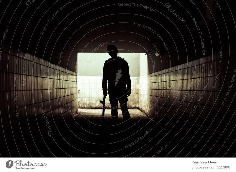 Skater Mensch maskulin Junger Mann Jugendliche Erwachsene 1 18-30 Jahre Jugendkultur Subkultur Hauptstadt Bahnhof Tunnel Parkhaus Bauwerk Gebäude Architektur