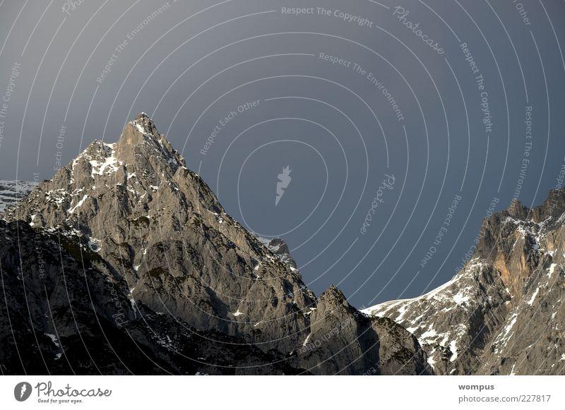 Felsen in the Wintersonne Natur Landschaft Luft Himmel Wolken Sonne Sonnenlicht Schönes Wetter Schnee Hügel Alpen Berge u. Gebirge Gipfel Schneebedeckte Gipfel