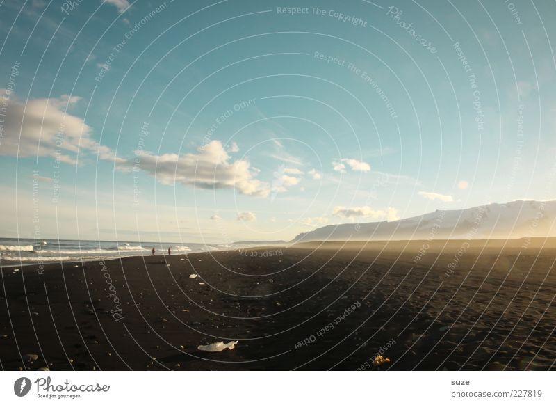 Dunkelbunt Natur schön Himmel Meer Strand Ferien & Urlaub & Reisen schwarz Wolken Einsamkeit Berge u. Gebirge Sand Landschaft Küste Umwelt Horizont Reisefotografie