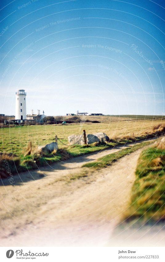 HEIMKEHR Sommer Wiese Landschaft Gras Wege & Pfade Frühling Luft Küste Zufriedenheit Feld Ausflug Zukunft Turm Idylle vorwärts Schönes Wetter