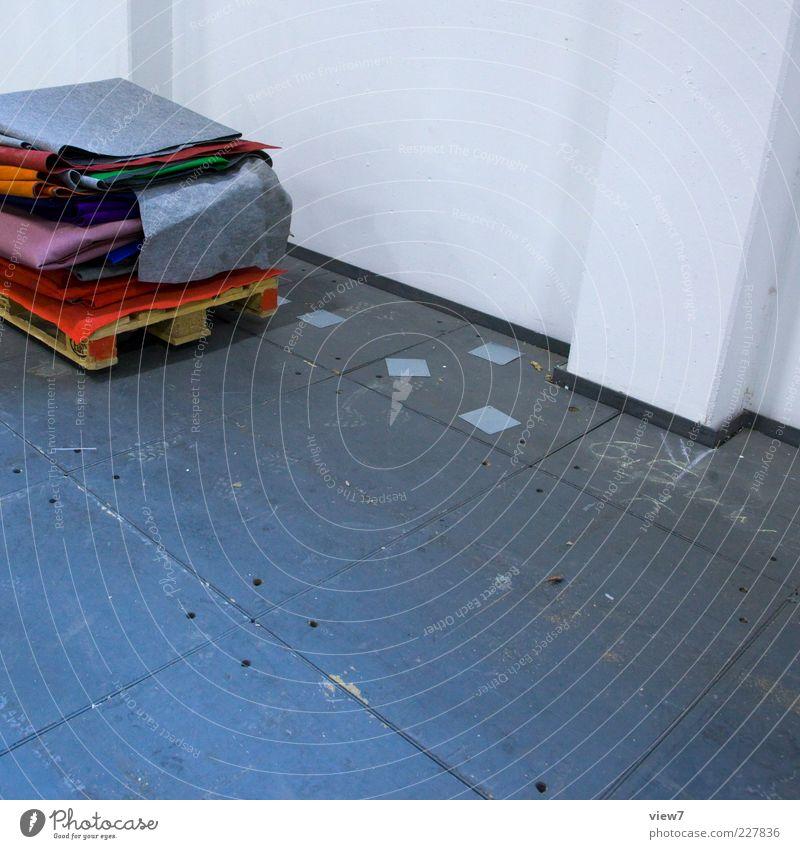 unbeachtet alt Wand Mauer Stein Linie Beton frei authentisch neu trist Streifen Bodenbelag Material Stapel Teppich Lager
