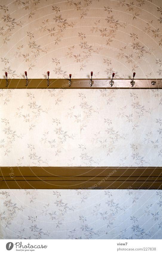 Herzlich Willkommen!° alt Holz Linie braun Zeit Raum Ordnung ästhetisch trist Streifen Häusliches Leben retro einfach Ende rein Vergangenheit
