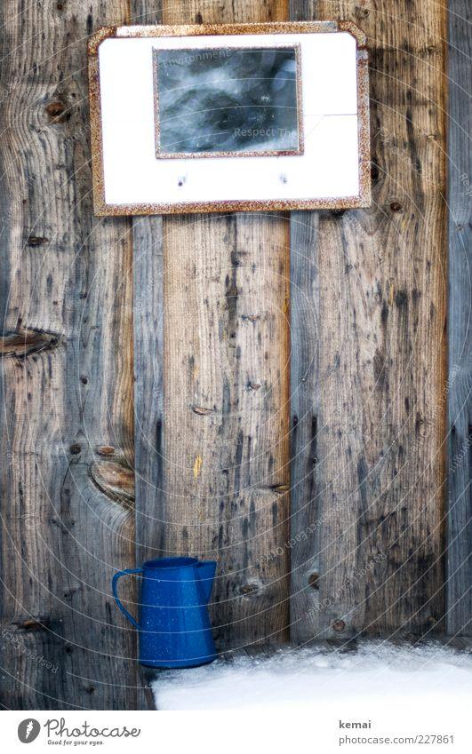 Outdoor Badezimmer blau Winter Wand Schnee Holz Garten Mauer braun Eis Wohnung Fassade Lifestyle Häusliches Leben retro Frost außergewöhnlich