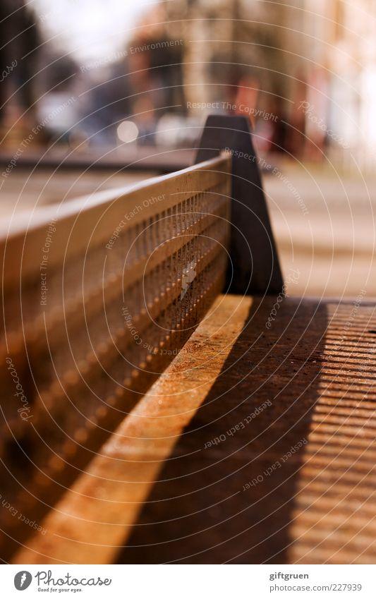 ping pong Menschenleer Öffentlich Tischtennis Tischtennisplatte Metall Netz Schatten Schattenspiel Schattenseite Farbfoto Außenaufnahme Nahaufnahme