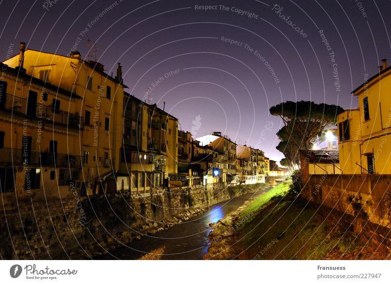 notte italiana Nachthimmel Fluss Florenz Italien Europa Stadt Menschenleer Haus Gebäude Mauer Wand ruhig Süden Farbfoto Außenaufnahme Textfreiraum oben