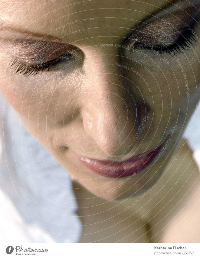 #227957 Haut Gesicht Kosmetik Schminke Lippenstift Wimperntusche Rouge feminin Frau Erwachsene Auge Nase Mund 1 Mensch 30-45 Jahre braun rosa schwarz weiß
