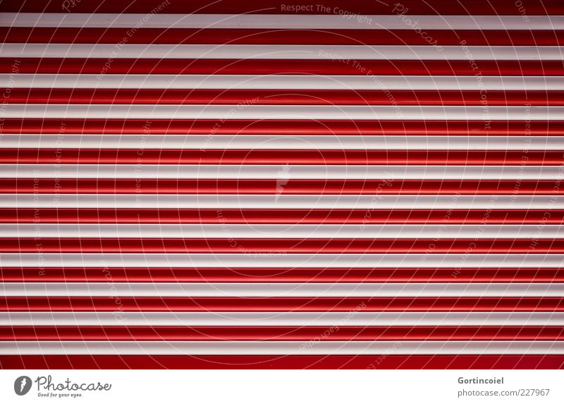 Heute geschlossen weiß rot Linie Hintergrundbild geschlossen Streifen Tor gestreift Textfreiraum Einfahrt Rollladen Muster Schutz Strukturen & Formen Schatten Garagentor