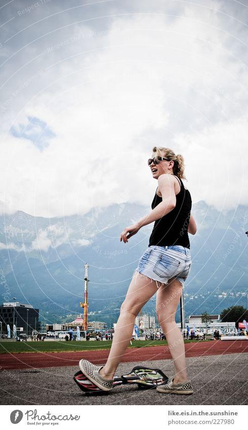 Verdammt coole sau III Mensch Jugendliche schön Sommer Freude Erwachsene Leben feminin Sport Spielen Berge u. Gebirge Glück blond Freizeit & Hobby Aktion