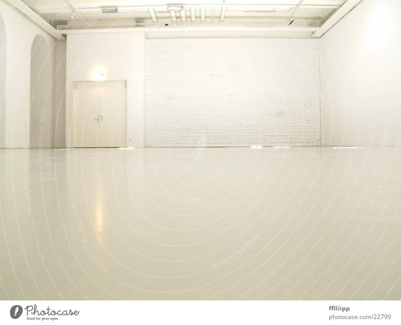 raumweiß weiß hell Raum Architektur Bodenbelag