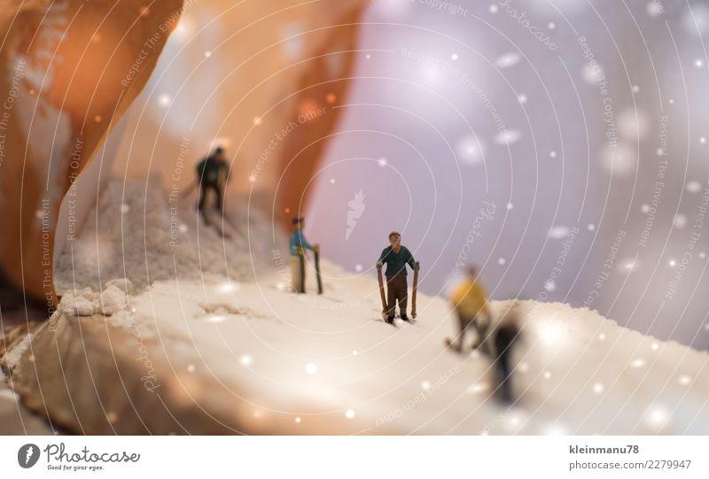 Abfahrt Lebensmittel Teigwaren Backwaren sportlich Fitness Freizeit & Hobby Winter Schnee Winterurlaub Sport Wintersport Skier Skipiste Mensch Jugendliche